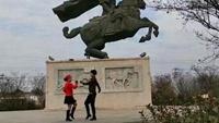 礼泉广场水兵舞《锡林格勒的星星》张小群宁鲜俊展示第二套口令分解动作教学演示