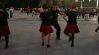 吴刚水兵舞团队《雪山姑娘》正反面演示及分解动作教学