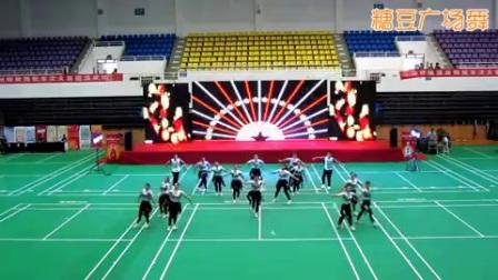 靖江韵律广场舞《独一无二》比赛 变队形正反面演示及分解动作教学