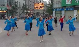 伊依廣場舞《秋風無情》原創舞蹈 團隊演示