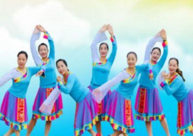 春英廣場舞《最美的歌兒唱給媽媽》經典正背面演示及口令分解動作教學