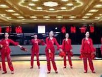林州芳心广场舞《别嘚瑟》原创新年手绢舞 口令分解动作教学演示