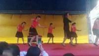 邓家唐冬娥舞蹈队《妈妈的吻》编舞:一连正背面口令分解动作教学演示