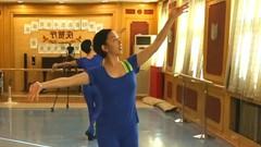 糖豆广场舞课堂《我爱西湖花和水》正背面演示和萱萱老师慢速口令分解教学