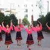 河边快乐健身舞蹈