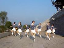 俏木蘭廣場舞《今夜好萊塢》原創舞蹈 團隊正背面演示