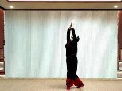 応子广场舞《在那东山顶上》原创藏族热身舞 附正背面口令分解教学演示