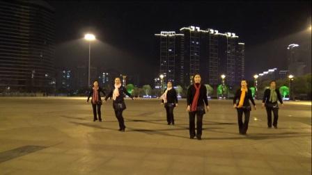 俏木蘭廣場舞《扣籃》原創排舞 團隊正背面演示