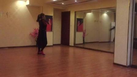美久导师活泼演绎现代舞《别一言不合就逃离》镜面练习