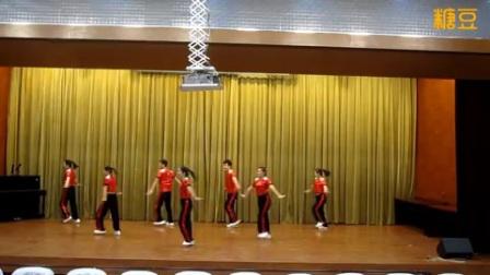 靖江韵律广场舞《幸福排舞》原创附教学口令分解动作演示