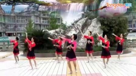 謝春燕廣場舞集體版《泛水荷塘》完整版演示及分解教學演示
