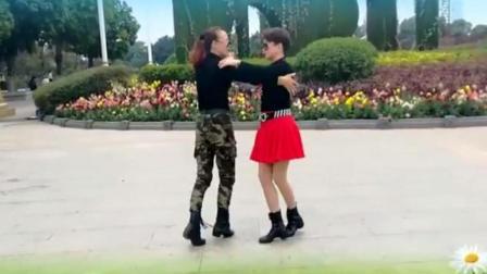 王容雙人歡快廣場舞《中國歌最美》正背面口令分解動作教學演示