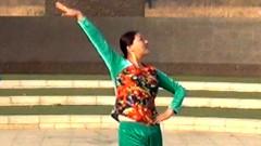 糖豆广场舞课堂《习大大爱着彭麻麻》附正背面演示和青儿老师慢速口令分解教学