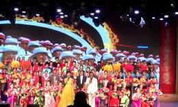 济南朵朵广场舞《走向复兴》演出视频